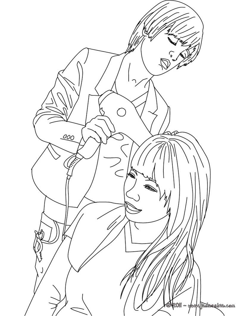 coloriage à dessiner de coiffeuse